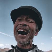 #正能量#只有在小羊出生的时候,爷爷笑的才是最开心的